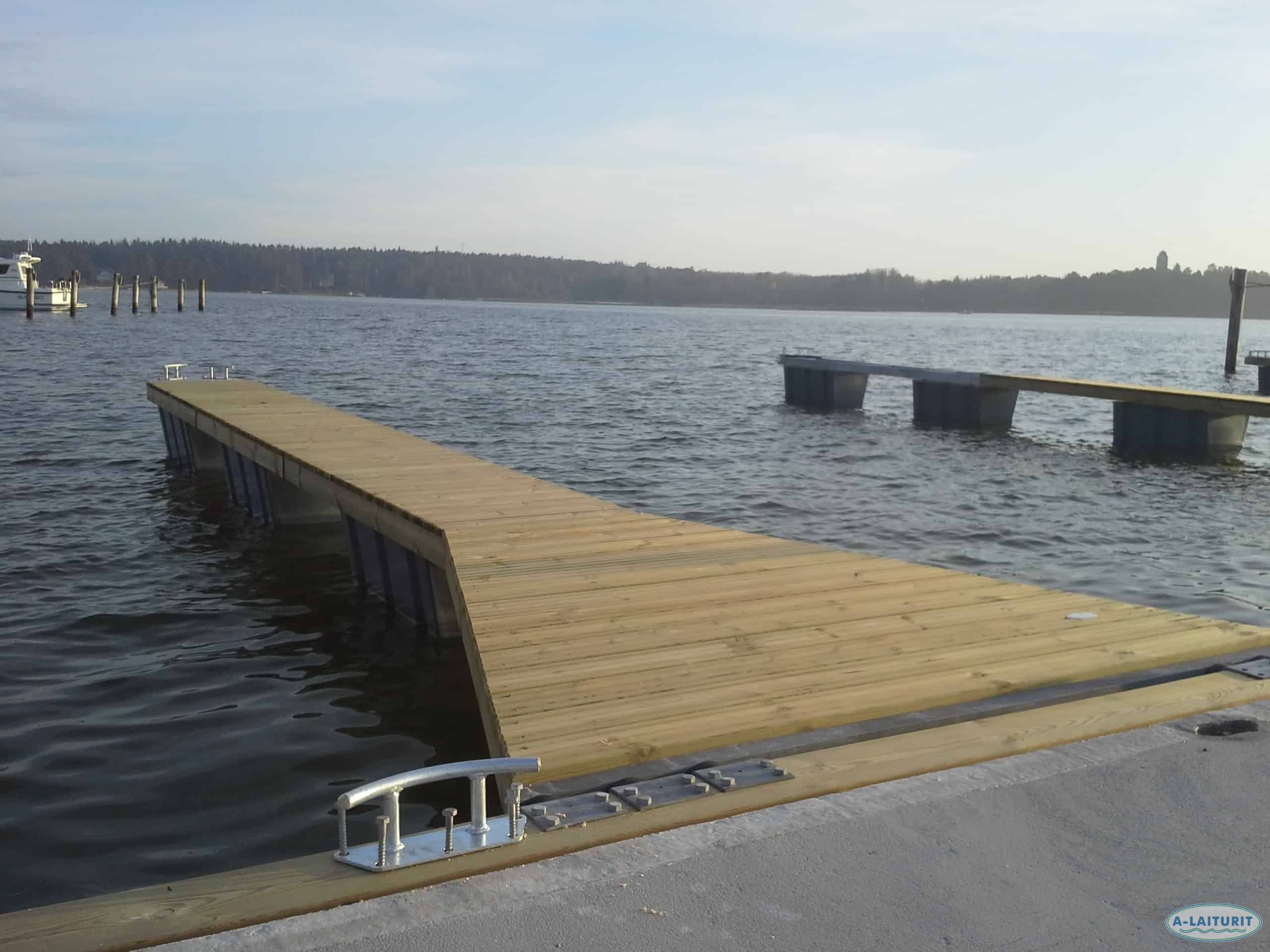 Walkable Mooring finger 10 x 0.7m, 4x300L