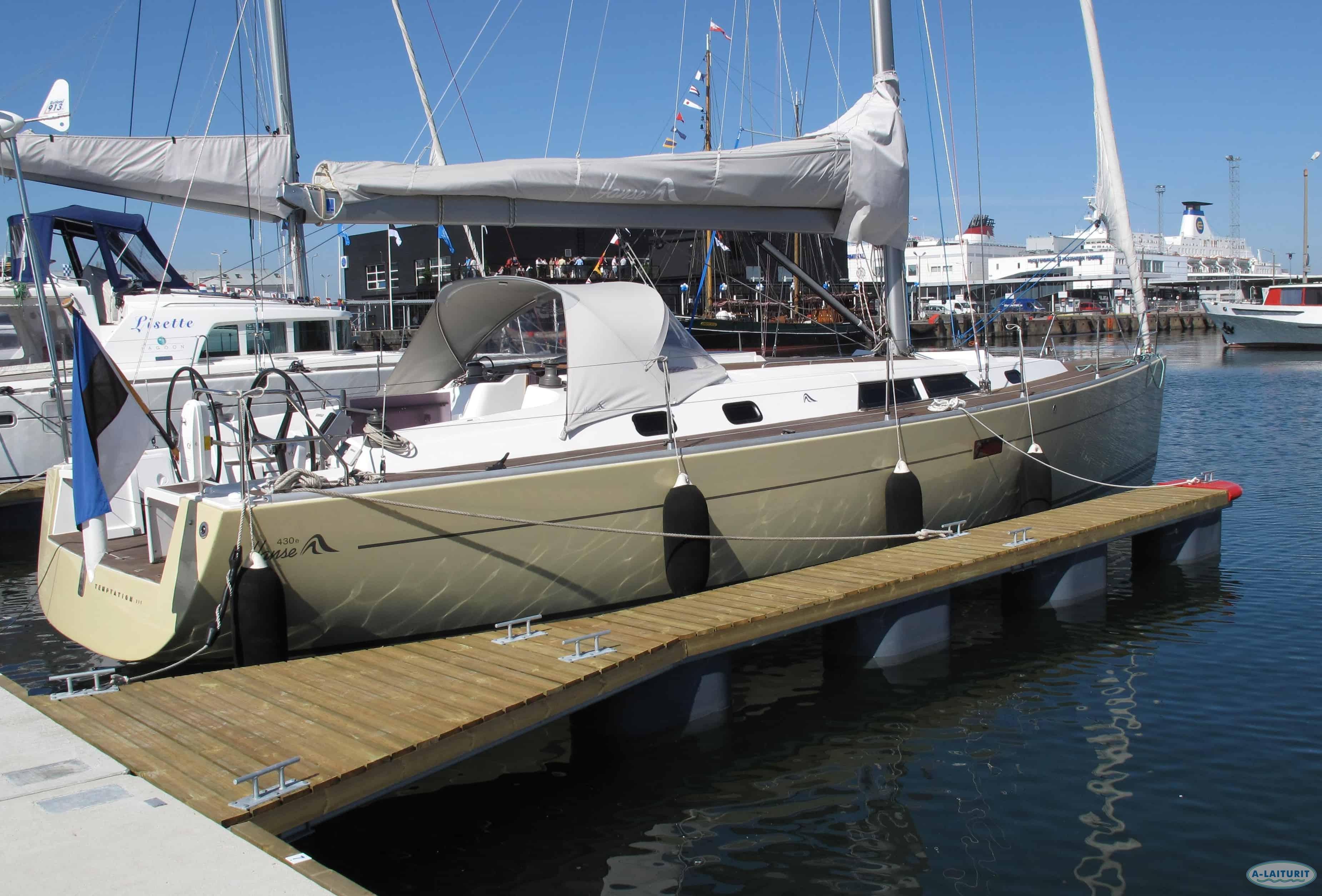 Gångbar båtbom 12 x 0,7m, 4x300L