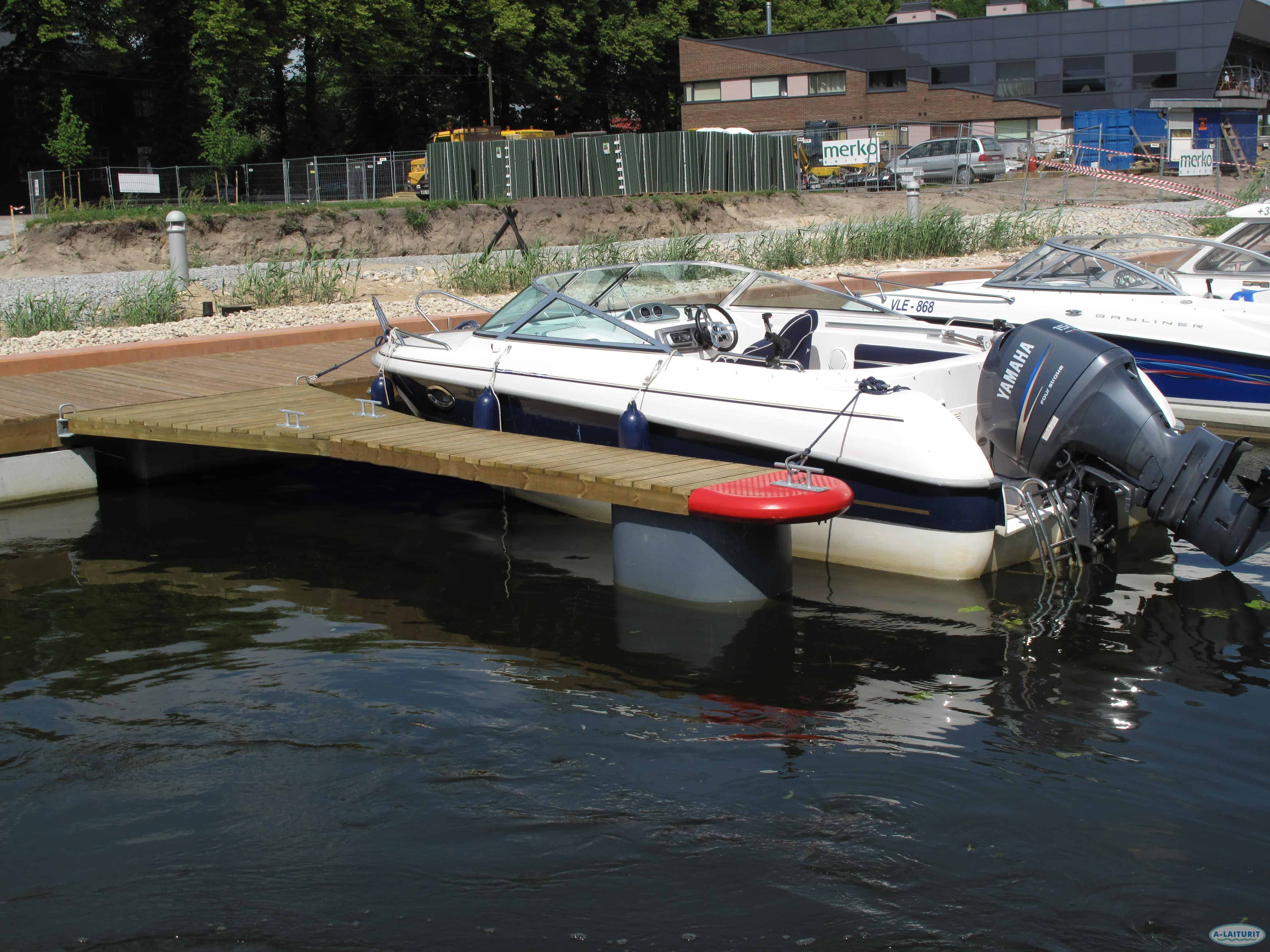 Walkable Mooring finger 4 x 0.7m, 1x300L