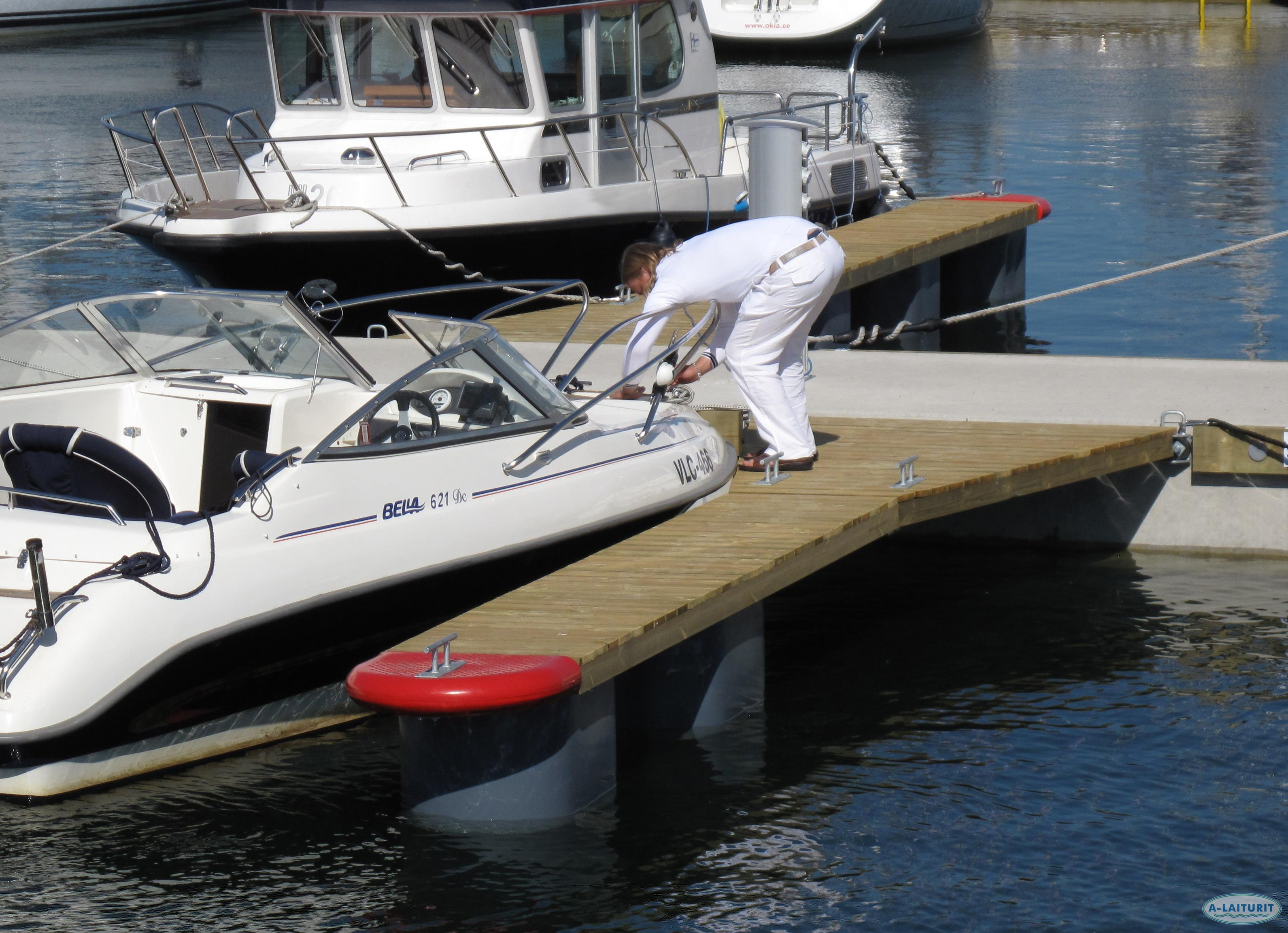 Walkable Mooring finger 7 x 0.7m, 2x300L