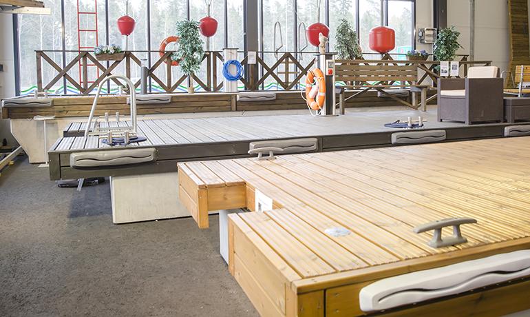 Suomen suurin laitureiden sisänäyttely A-Laitureiden Raision myymälässä